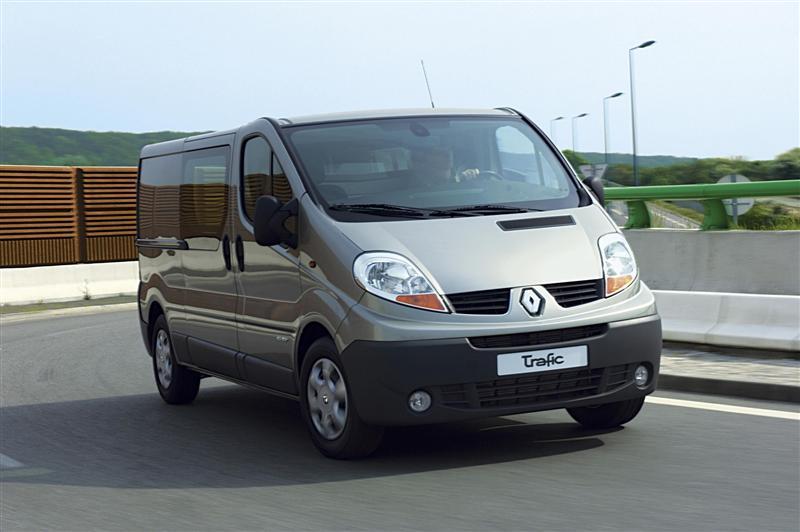 Renault Trafic (1+8) minibussi